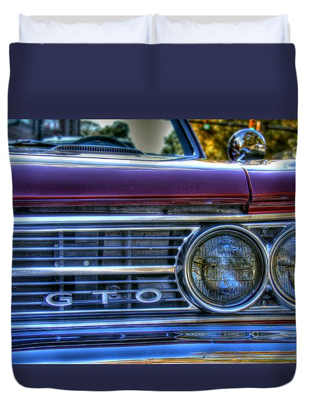 Front Left Grill Of Gto Duvet Cover by Andy Lawless