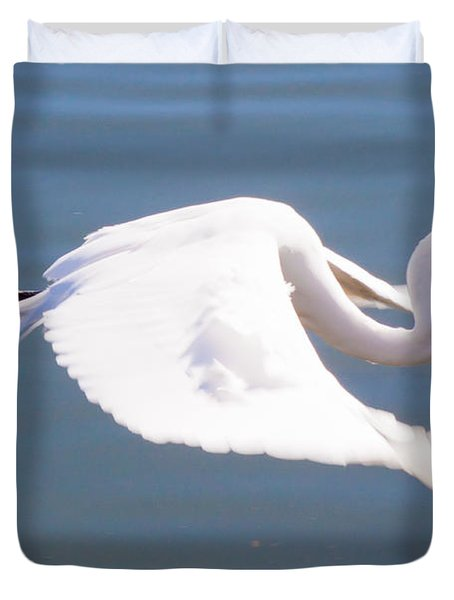 Great Egret In Flight Duvet Cover by Thomas Marchessault