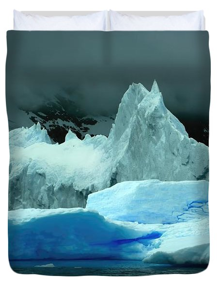 Duvet Cover featuring the photograph Iceberg by Amanda Stadther