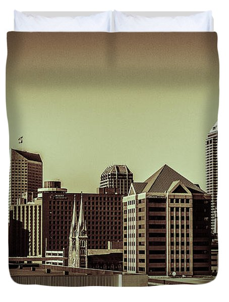 Indianapolis Skyline - Black And White Duvet Cover