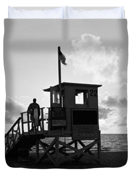Lifeguard Hut On The Beach, 22nd St Duvet Cover