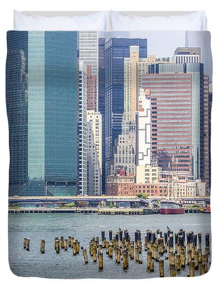 Manhattan On The East River Duvet Cover