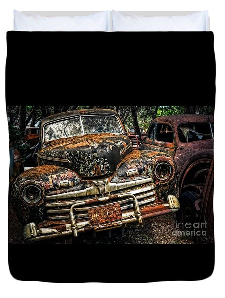 Old Rusty Ford Duvet Cover
