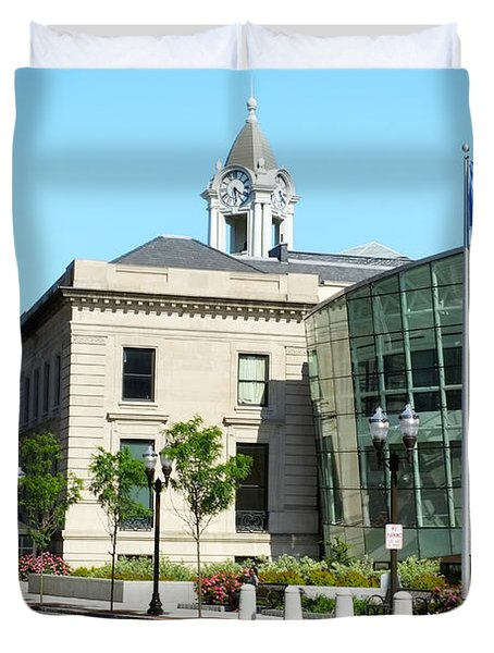 Old Town Hall In Stamford Duvet Cover by Boris Mordukhayev