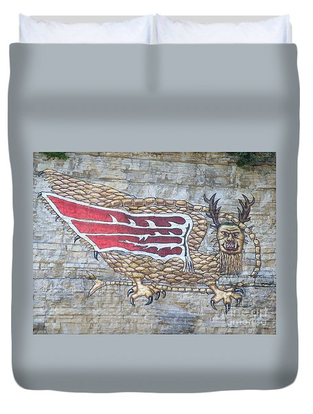 Duvet Cover featuring the photograph Piasa Bird by Kelly Awad