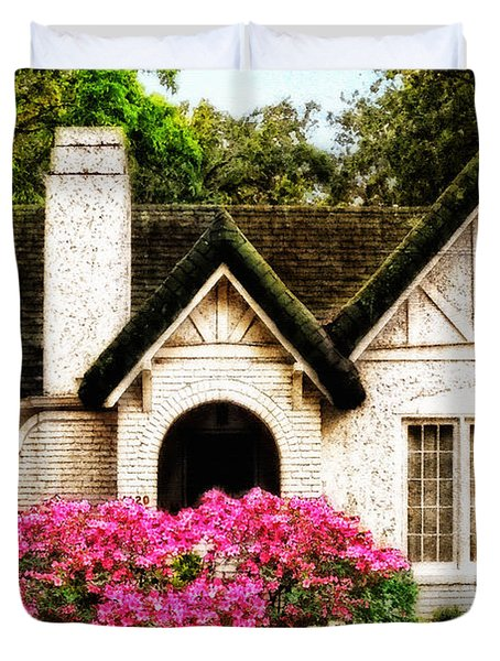 Pink Azaleas - Old Southern Charm By Sharon Cummings Duvet Cover