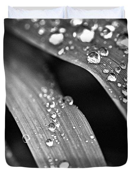 Raindrops On Grass Blades Duvet Cover