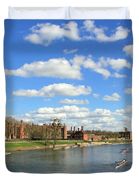 Rowing On The Thames At Hampton Court Duvet Cover