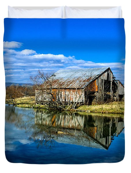 Sequatchie Valley Barn Duvet Cover