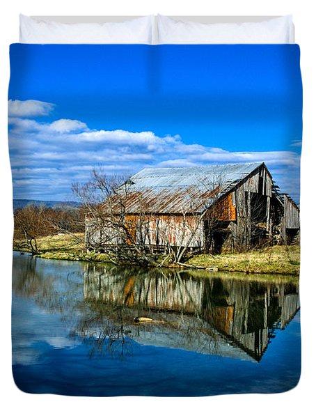 Sequatchie Valley Barn Duvet Cover by Paul Mashburn