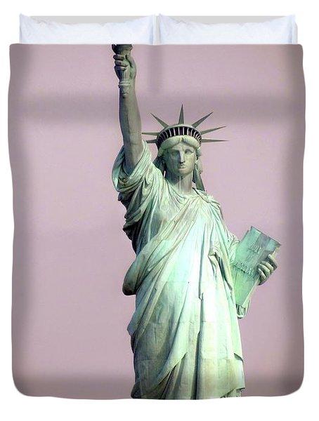 Statue Of Liberty Duvet Cover by Ed Weidman