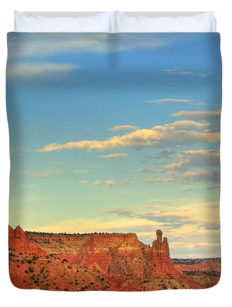 Duvet Cover featuring the photograph Sunset At Ghost Ranch by Alan Vance Ley