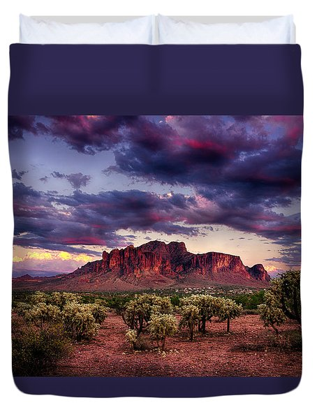 Sunset At The Superstitions  Duvet Cover by Saija  Lehtonen
