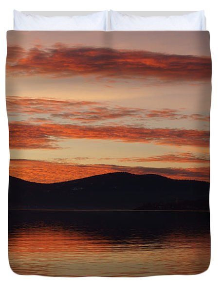 Sunset Over Lake Tahoe Duvet Cover by Benjamin Reed