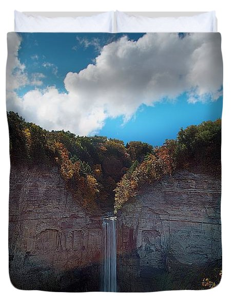 Duvet Cover featuring the photograph Taughannock Falls Ithaca New York by Paul Ge