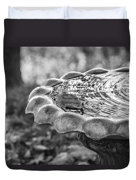 Duvet Cover featuring the photograph Tennessee Birdbath by Carolyn Marshall