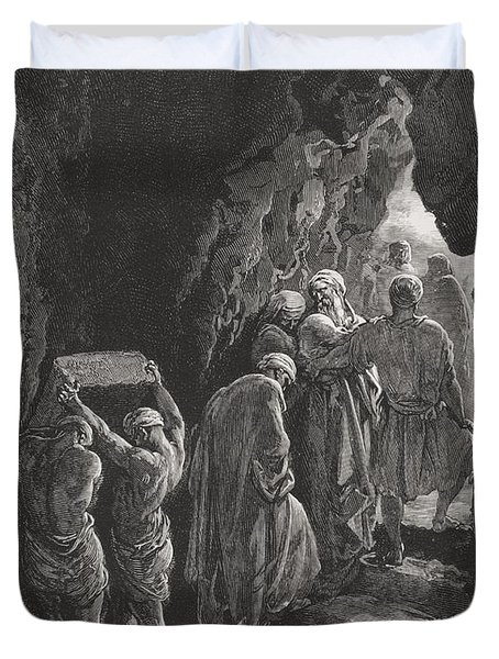 The Burial Of Sarah Duvet Cover by Gustave Dore