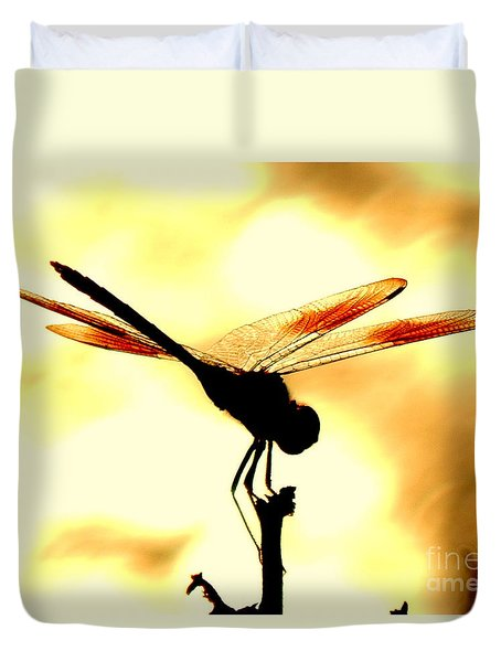 The Light Of Flight Upon The Mosquito Hawk At The Mississippi River In New Orleans Louisiana Duvet Cover by Michael Hoard