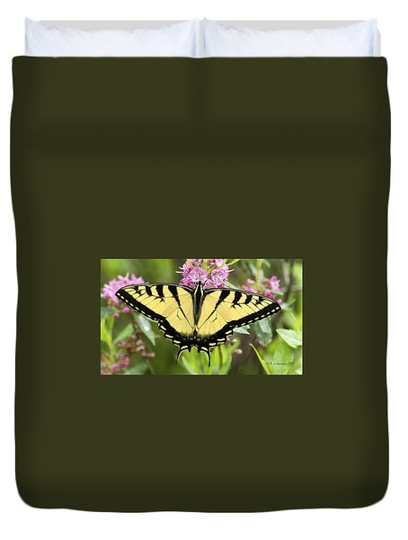 Tiger Swallowtail Butterfly On Milkweed Flowers Duvet Cover