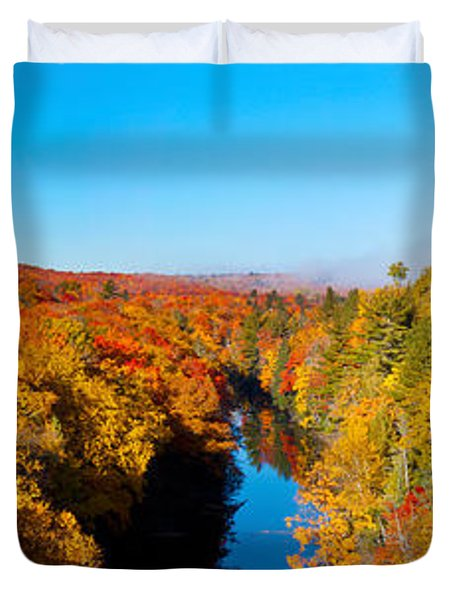 Trees In Autumn At Dead River Duvet Cover