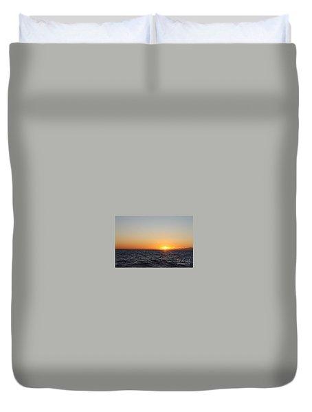 Winter Sunrise Over The Ocean Duvet Cover