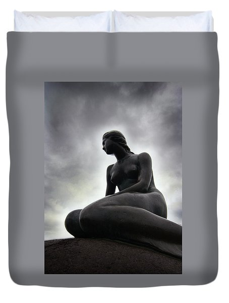 Woman Standing Strong Duvet Cover