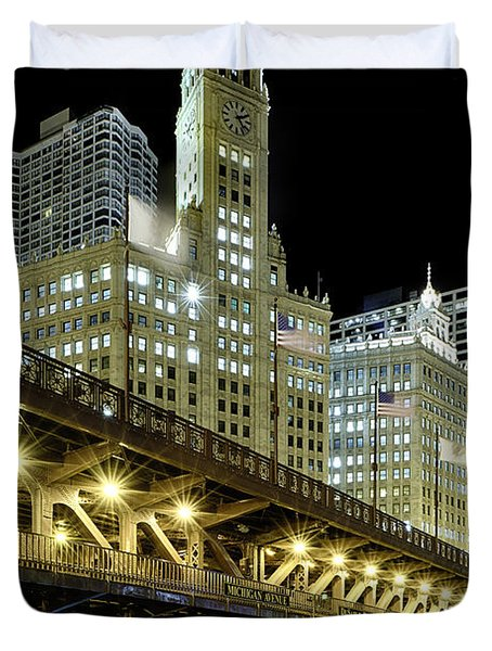 Duvet Cover featuring the photograph Wrigley Building At Night by Sebastian Musial