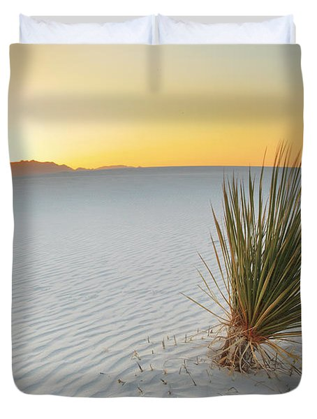 Yucca Plant At White Sands Duvet Cover by Alan Vance Ley
