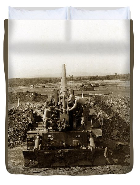 175mm Self Propelled Gun C 10 7-15th Field Artillery Vietnam 1968 Duvet Cover
