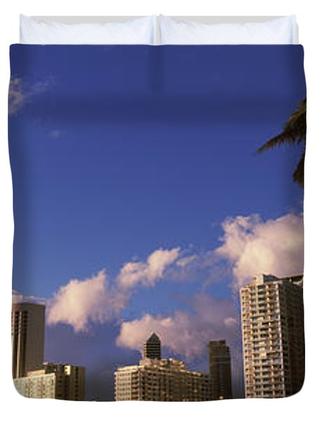 Low Angle View Of Skyscrapers Duvet Cover