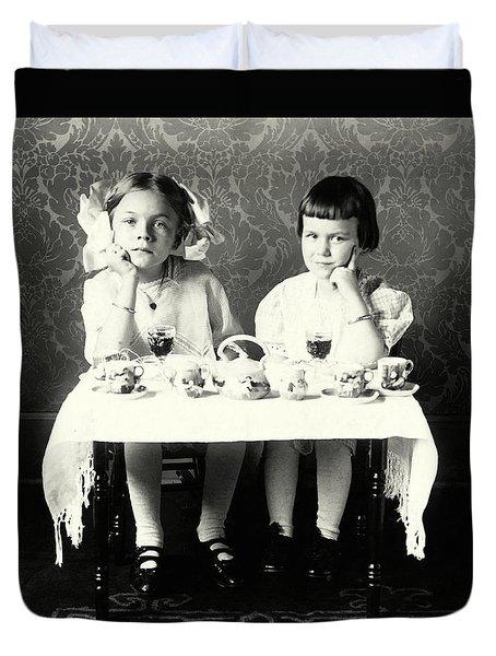 1900 Girlfriends Teaparty Duvet Cover