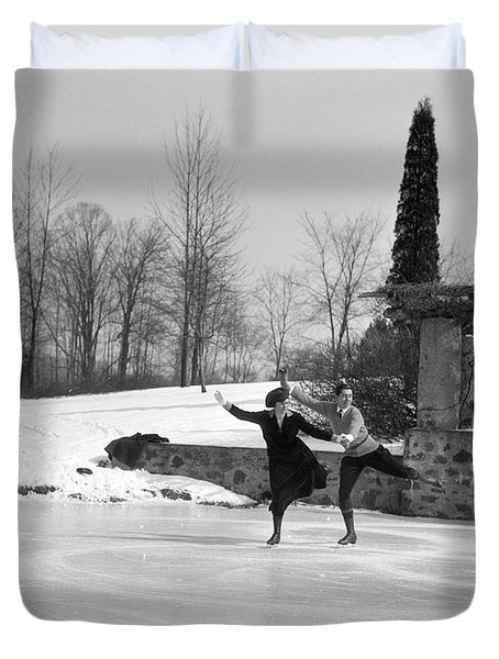 1920s Couple Man Woman Ice Skating Duvet Cover