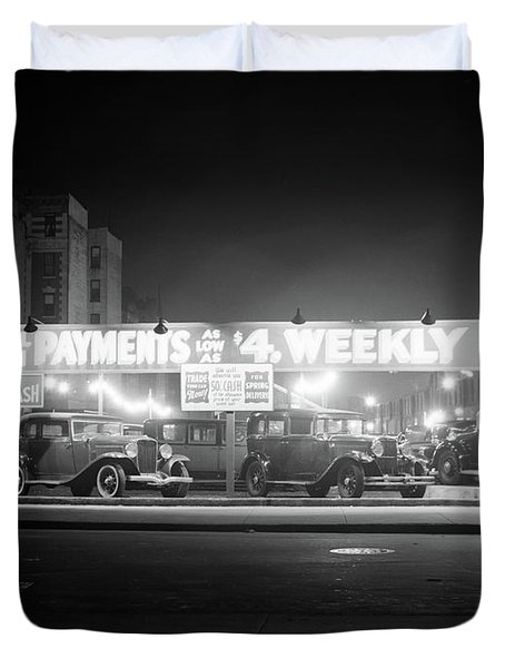 1930s New And Used Car Lot At Night Duvet Cover