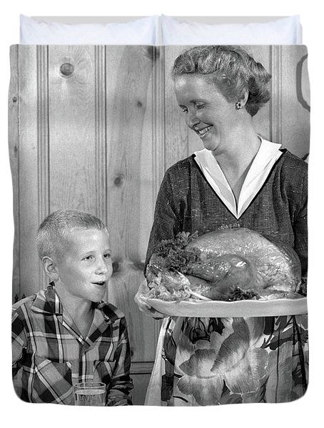 1950s Woman In Apron Putting Turkey Duvet Cover