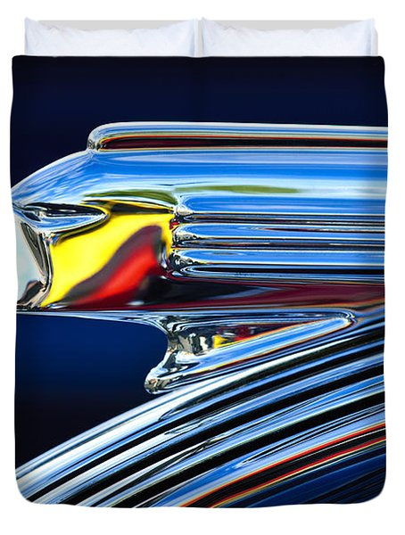 1939 Pontiac Silver Streak Chief Hood Ornament Duvet Cover by Jill Reger