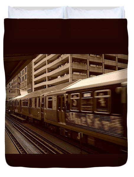 Duvet Cover featuring the photograph Chicago Cta by Miguel Winterpacht