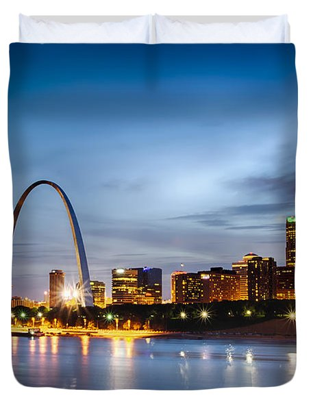 City Of St. Louis Skyline. Image Of St. Louis Downtown With Gate Duvet Cover