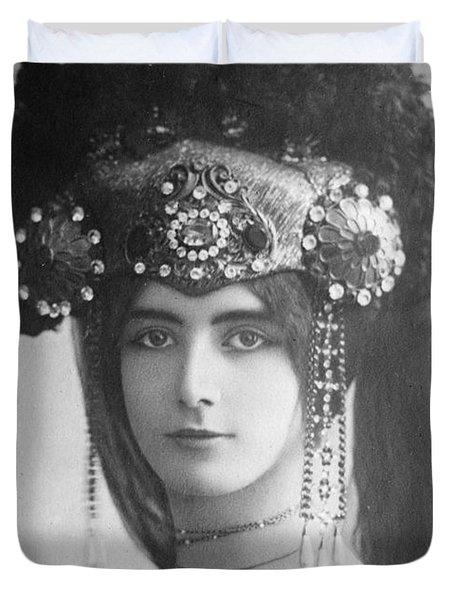 Cleo De Merode (1845-1931) Duvet Cover