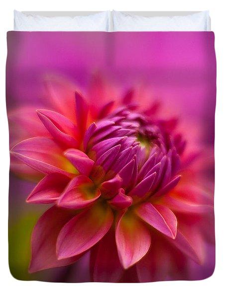Dahlia Burst Duvet Cover