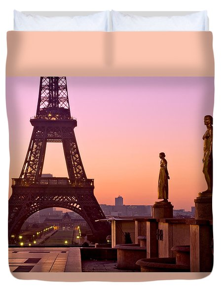 Duvet Cover featuring the photograph Eiffel Tower At Dawn / Paris by Barry O Carroll