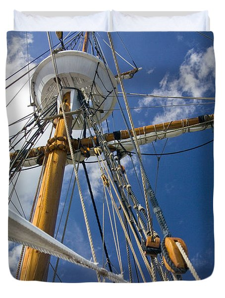 Duvet Cover featuring the photograph Elizabeth II Mast Rigging by Greg Reed