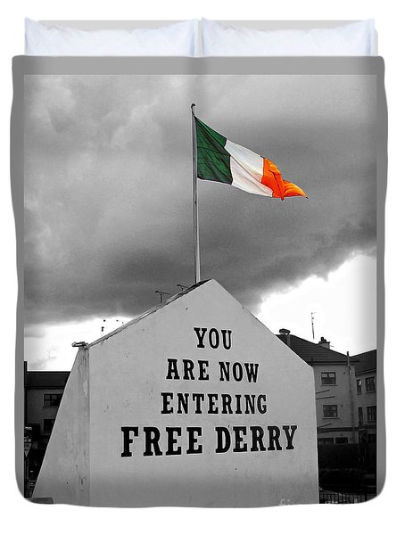 Free Derry Wall 1 Duvet Cover