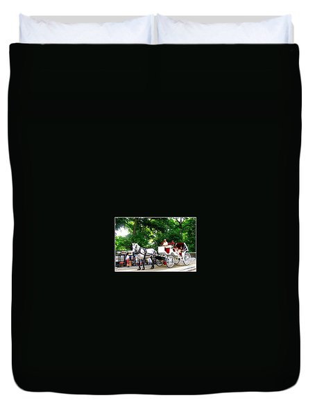 Horse And Carriage In Central Park Duvet Cover
