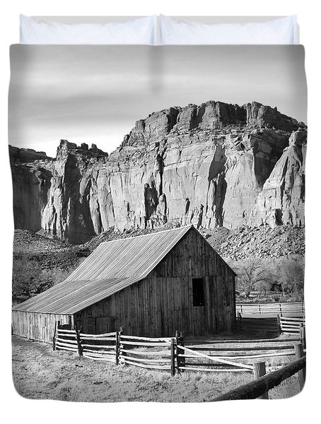 Horse Barn In Fruita Utah Duvet Cover by Jack Schultz