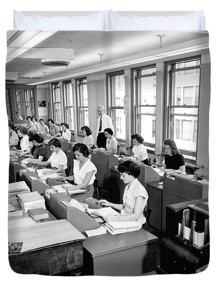 Office Workers Entering Data Duvet Cover by Underwood Archives