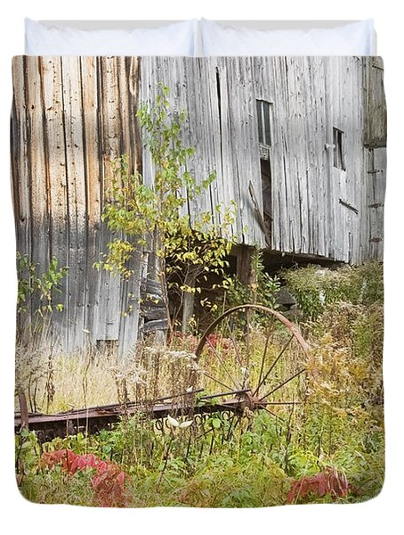 Old Barn In Fall Maine Duvet Cover by Keith Webber Jr