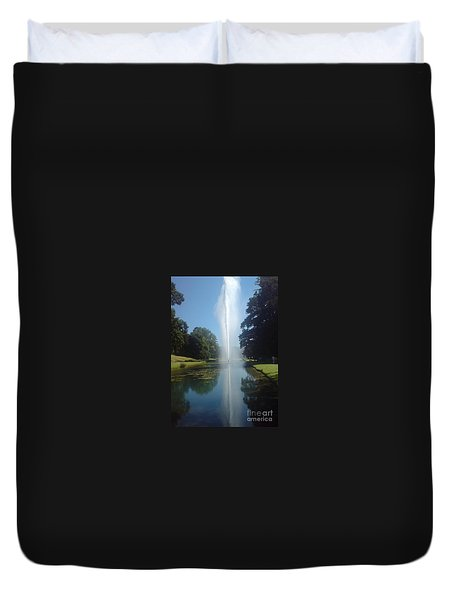 Duvet Cover featuring the photograph Reaching High by Tracey Williams