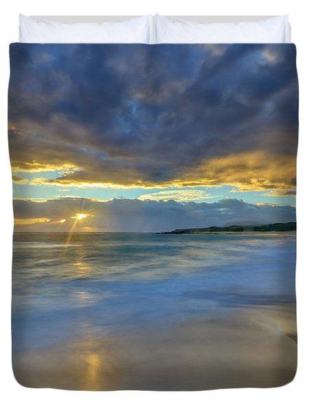 Sunrise Above Kawaaloa Bay On Molokais Duvet Cover