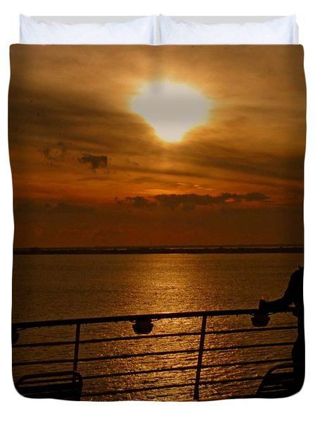 Duvet Cover featuring the photograph Sunset In Paradise by Gary Wonning