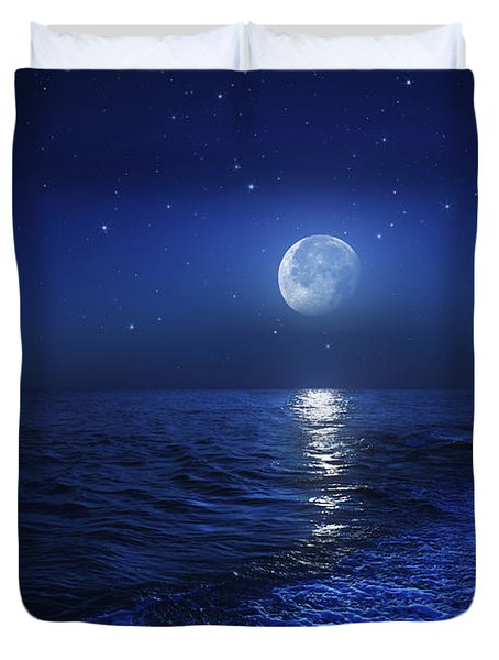Tranquil Ocean At Night Against Starry Duvet Cover by Evgeny Kuklev